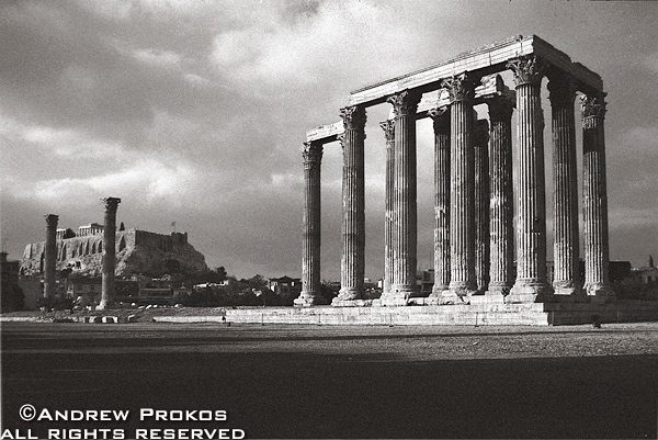 A view of the Temple of the Olympian Zeus in black and white, Athens