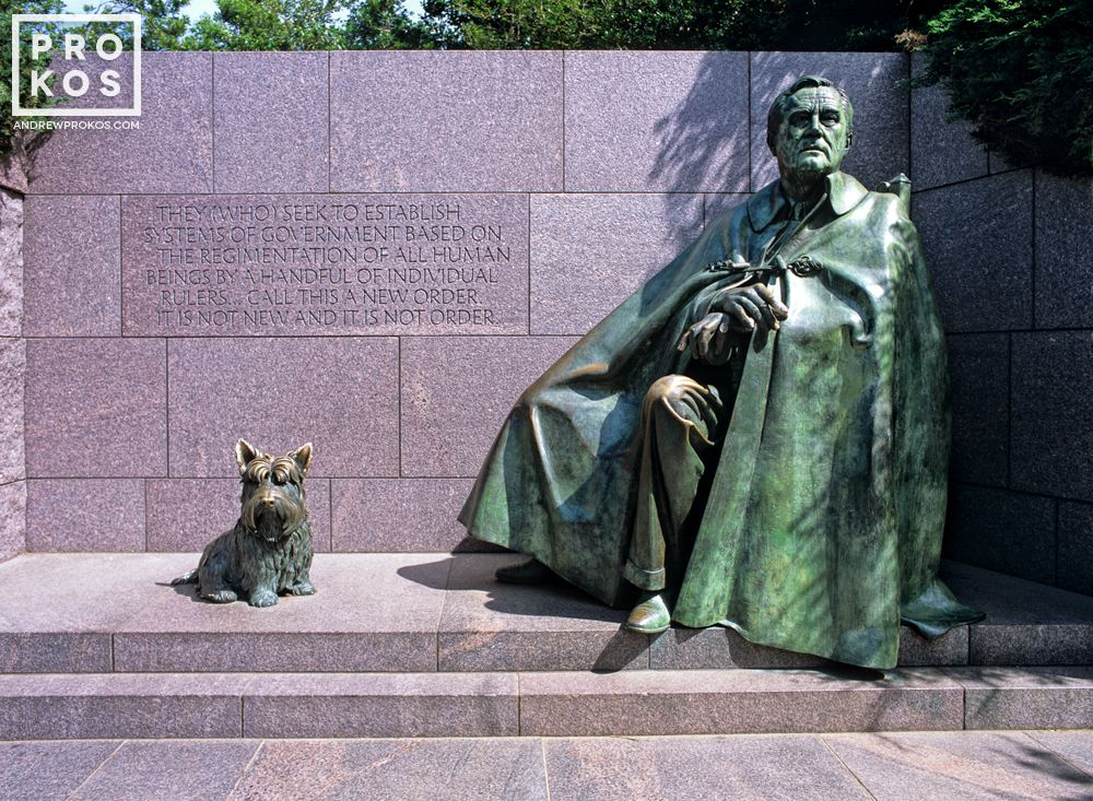 The statue of President Franklin Delano Roosevelt at the FDR Memorial, Washington DC