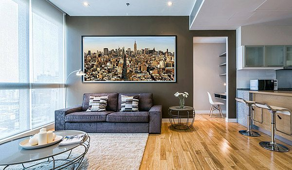 MANHATTAN-CITYSCAPE-COLOR-LIVING-ROOM-600PX