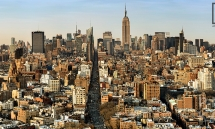A panoramic view of Midtown Manhattan as seen from Soho, New York City.