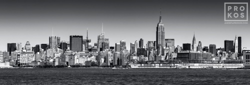 NYC SKYLINE JC PANORAMA BW PX
