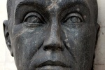 Monumental head of Juscelino Kubitschek, Brasilia, Brazil. Busto de Juscelino Kubitschek na Praca dos Tres Poderes, Brasilia.
