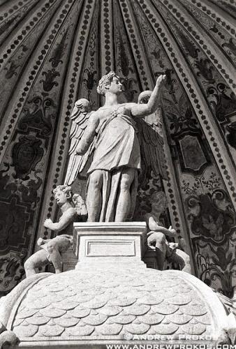 tivoli statue