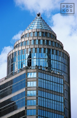 The crown of 750 Lexington Avenue in Midtown Manhattan by architect Helmut Jahn, New York City
