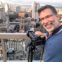 Photographer Andrew Prokos at New York City rooftop photo shoot