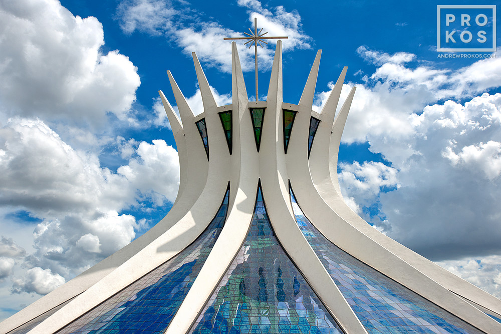 A view of the Cathedral of Brasilia during the day. Vista da Catedral de Brasilia.