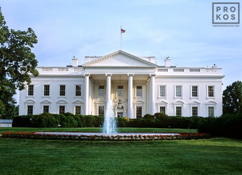 DC WHITE HOUSE DUSK CU PX