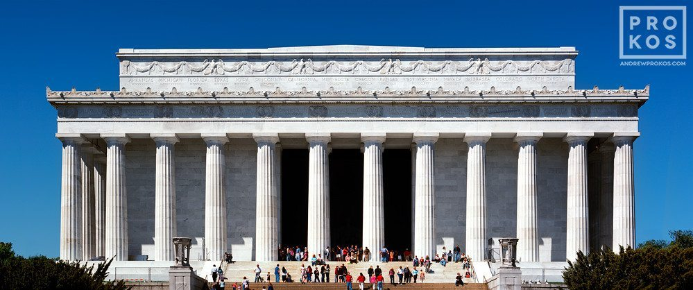 A panoramic view of the Lincoln Memorial during the day, Washington DC