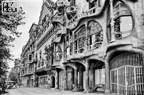 A black and white fine art architectural photo of the Manzana de Discordia, in the Eixample district of Barcelona, Spain