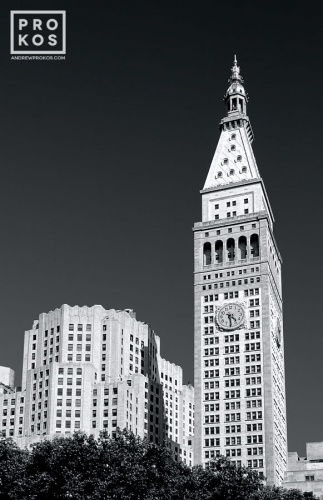 View of the Met Life Building, New York CIty in black and white.